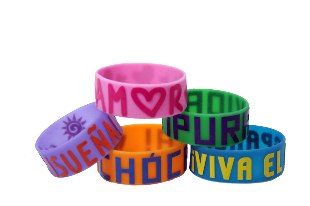 Glow-in-the-Dark Spanish Wristbands Set of 40
