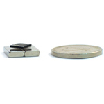 Micro Diamagnetic Levitation Kit - Micro Diamagnetic Levitation Kit - two 6 mm samples with 4 magnets