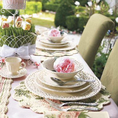 Lace Dinnerware Pierced Lace Chargers Set
