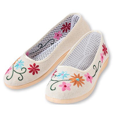 Floral Embroidered Slip-on Shoes