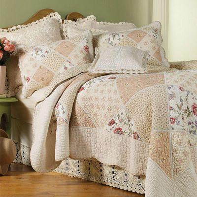 Pretty Patchwork Quilt  Set