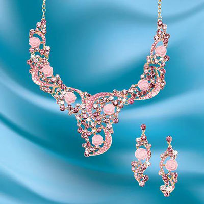 Lavish Rose Garden Jewelry Set