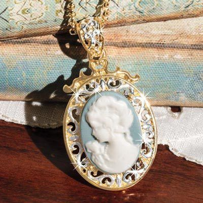 Elegant Cameo Necklace