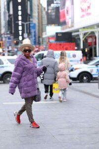 Nyla Handy Walking