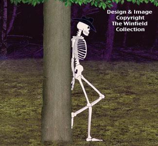 Leaning Skeleton Woodcraft Pattern