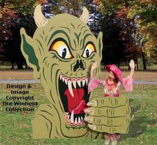 Monsters Amp Rats Rising Demon Photo Op Wood Plans