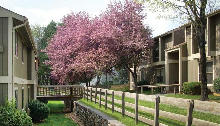 Ridgewood Village   UCribs