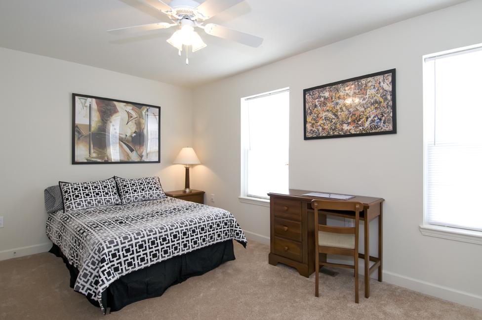 Jmu Off Campus Housing Reviews >> Copper Beech Townhomes | 410 Copper Beach Cir., Harrisonburg VA 22801 | uCribs