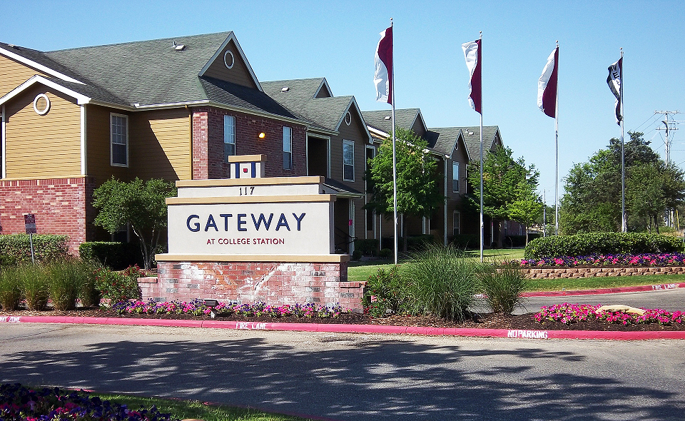 Gateway At College Station $305   $820