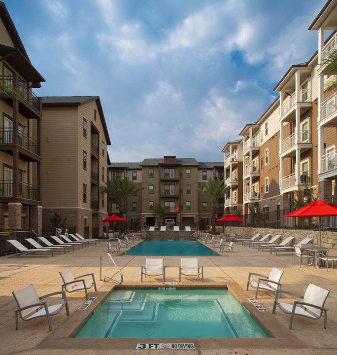 San Mateo Apartments San Antonio: 6676 Utsa Blvd., San Antonio TX 78249