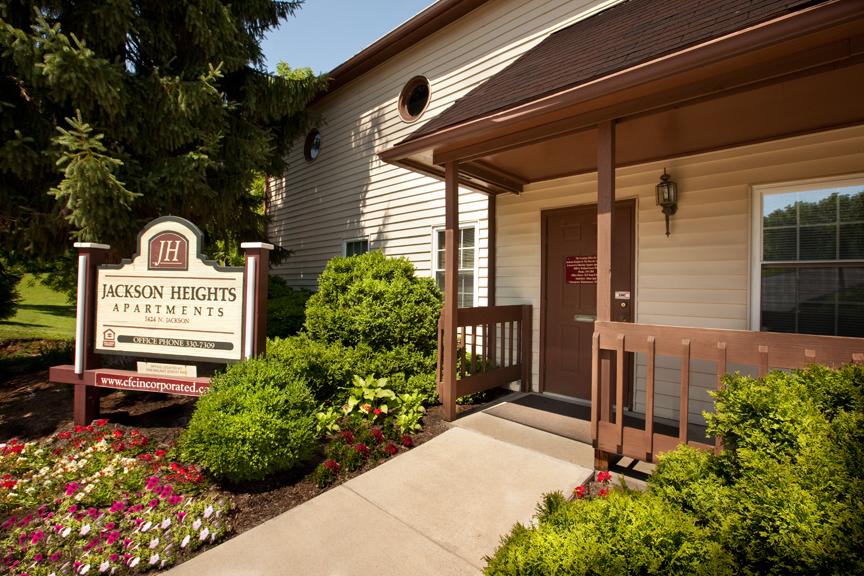 Jackson Heights Apartments 1424 N Jackson St Bloomington In 47404 Ucribs
