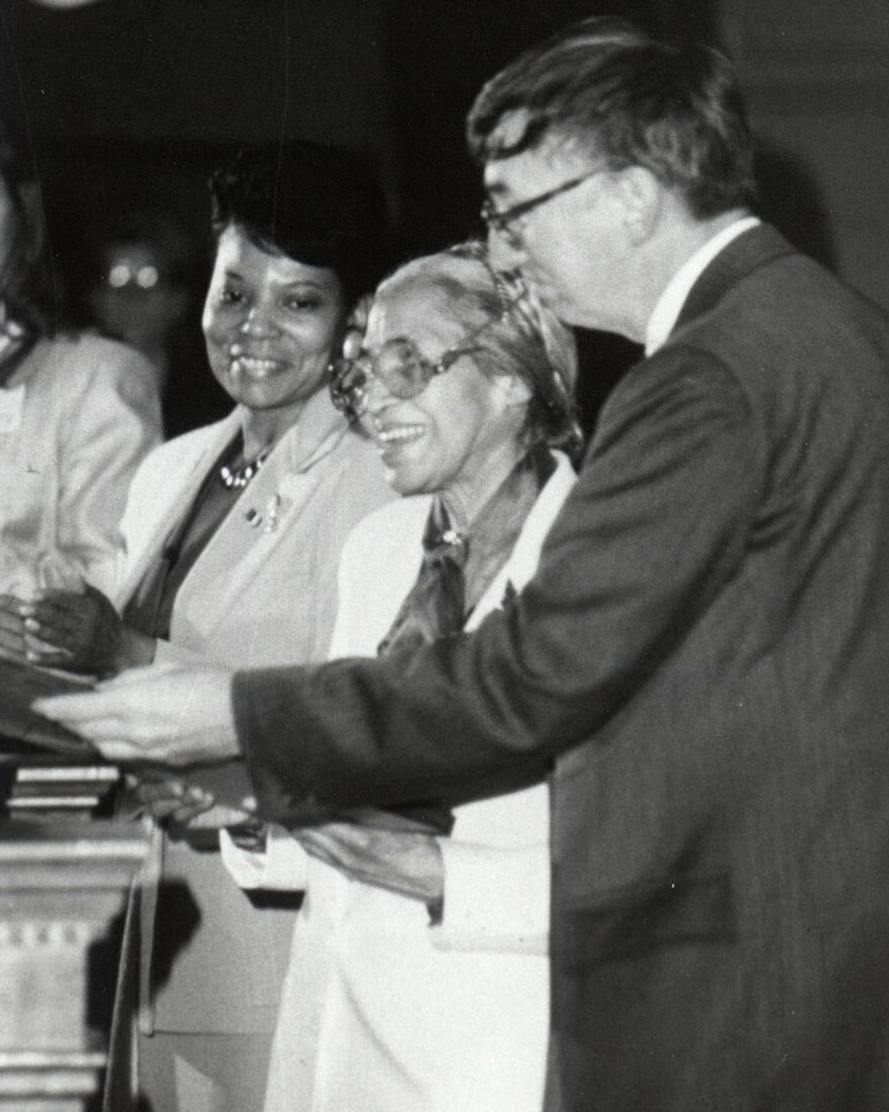 Rosa Parks (center) with UVA President Robert O'Neil