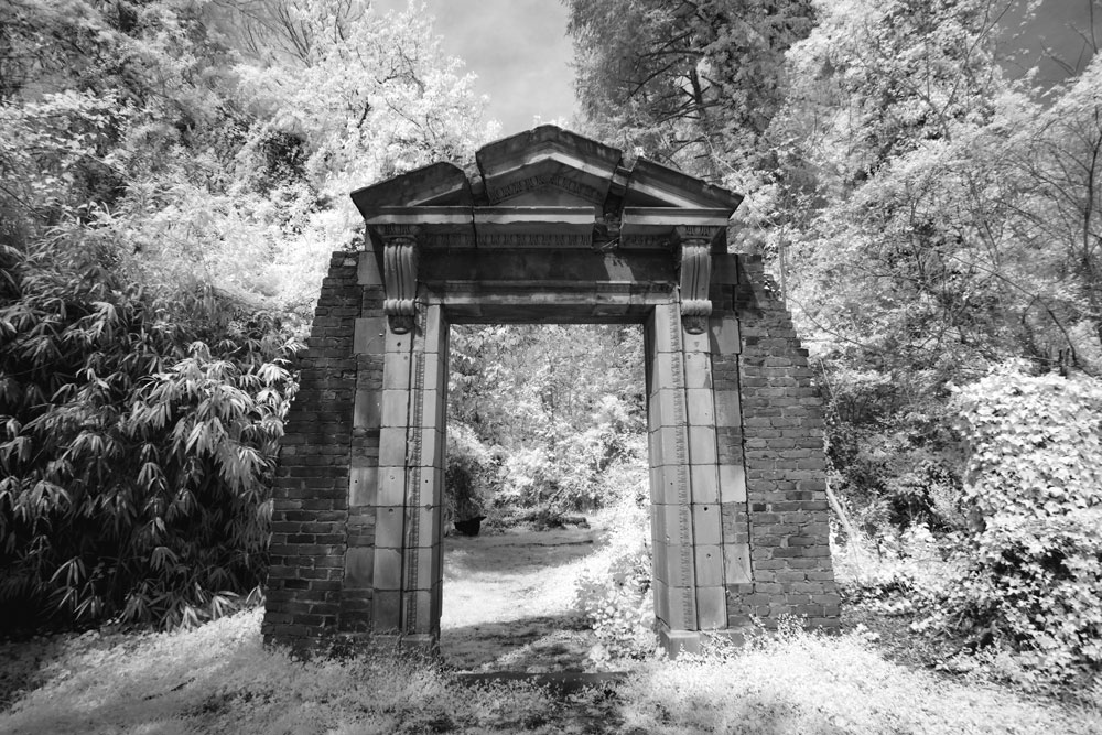 Infrared photo of the doorway in the Dell