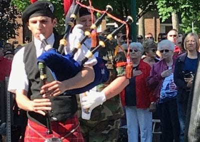 VVA MEM PIPER WITH FLAG