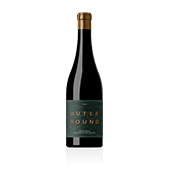 Pinot Noir, 2018. Outerbound