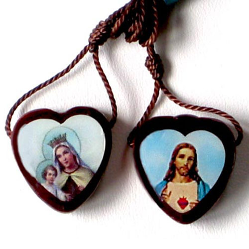 Small wooden scapular - heart shaped