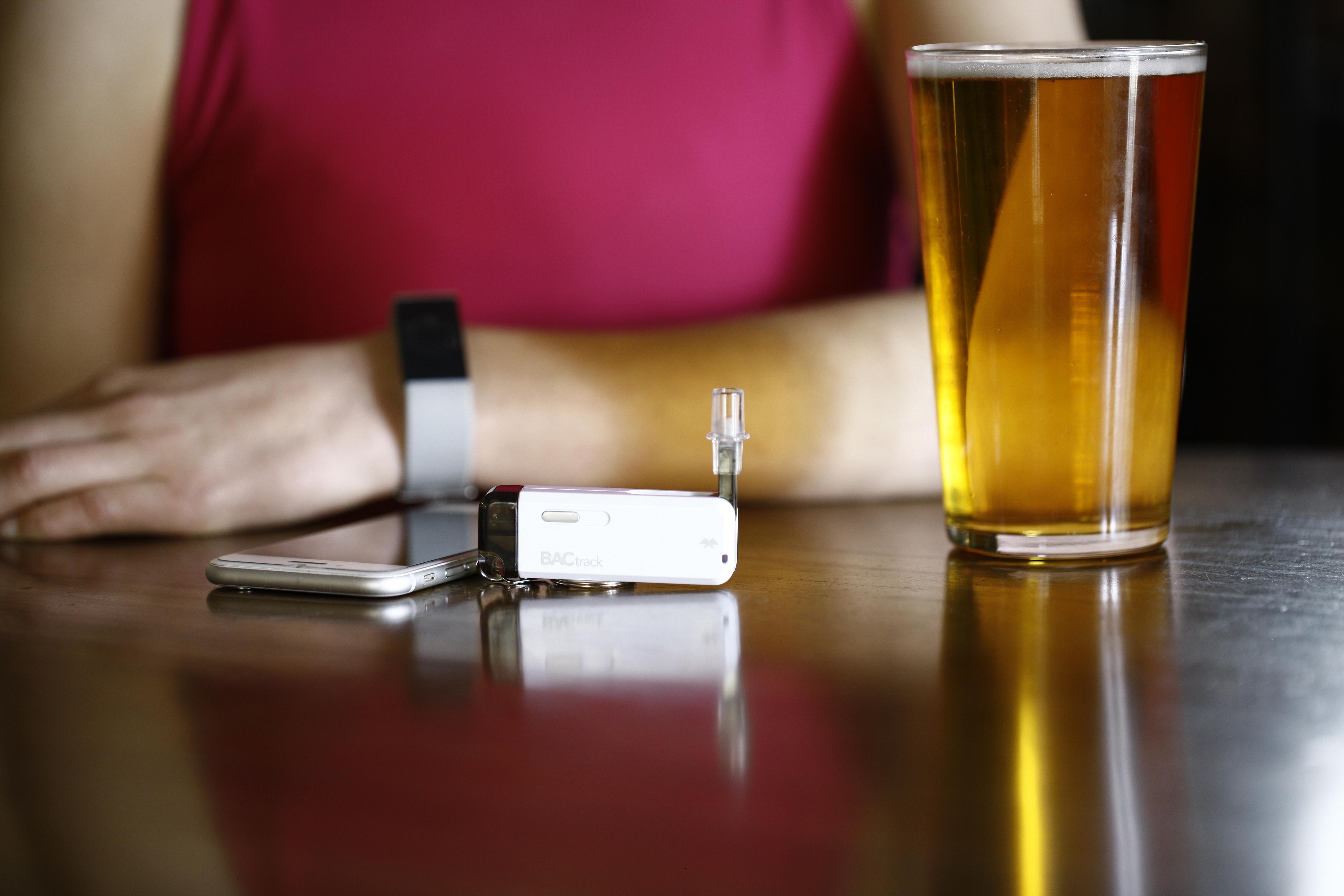 DrnkPay bloqueará tus cuentas cuando hayas bebido en exceso, protegiéndo tu salud y tu dinero
