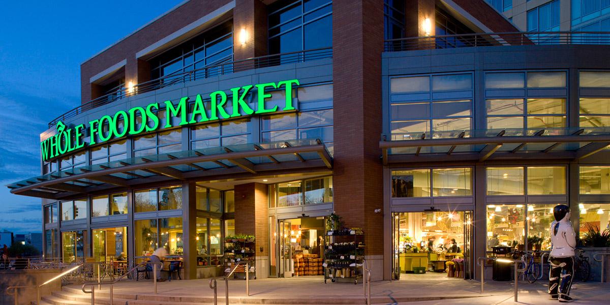 Amazon bajaría precios en Whole Foods