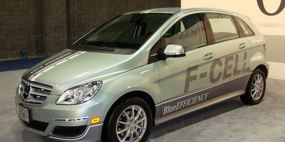 Mercedes-Benz vendería un híbrido con hidrógeno y electricidad como combustibles