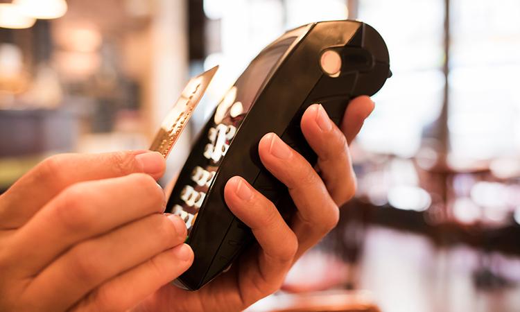 Lanzarían diversas tarjetas bancarias contactless en México