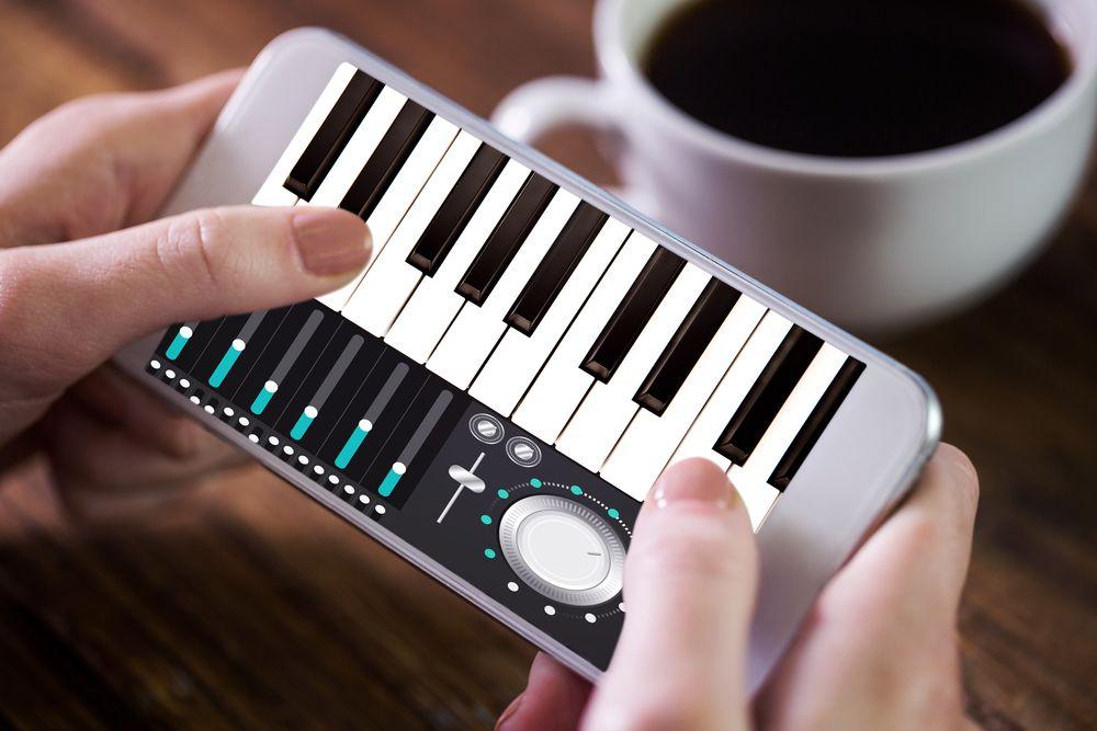 6 mejores apps para tocar el piano desde tu celular