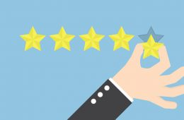 El 61% de las reviews de productos electrónicos en Amazon son falsas