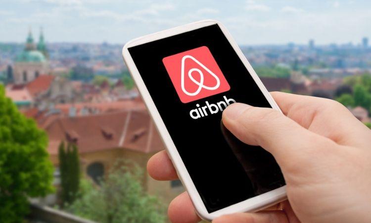 La Secretaría de Turismo ha decidido regular Airbnb ya que representa una competencia desleal