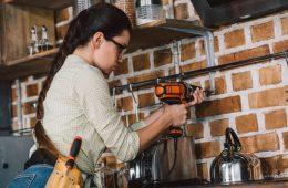 8 de cada 10 mujeres en Latinoamérica reparan su hogar