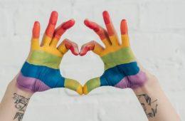 Conoce el impacto de la comunidad LGBT+ en la comunicación de las marcas