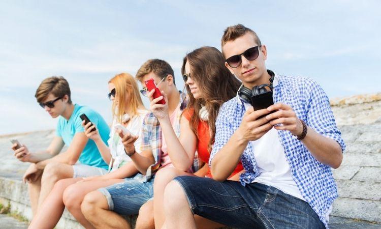 Adolescentes y redes sociales: claves del éxodo de los teenagers