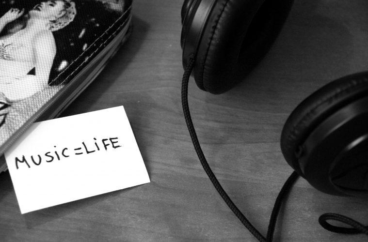 Los ingresos por música en streaming superarán a las descargas en el 2018