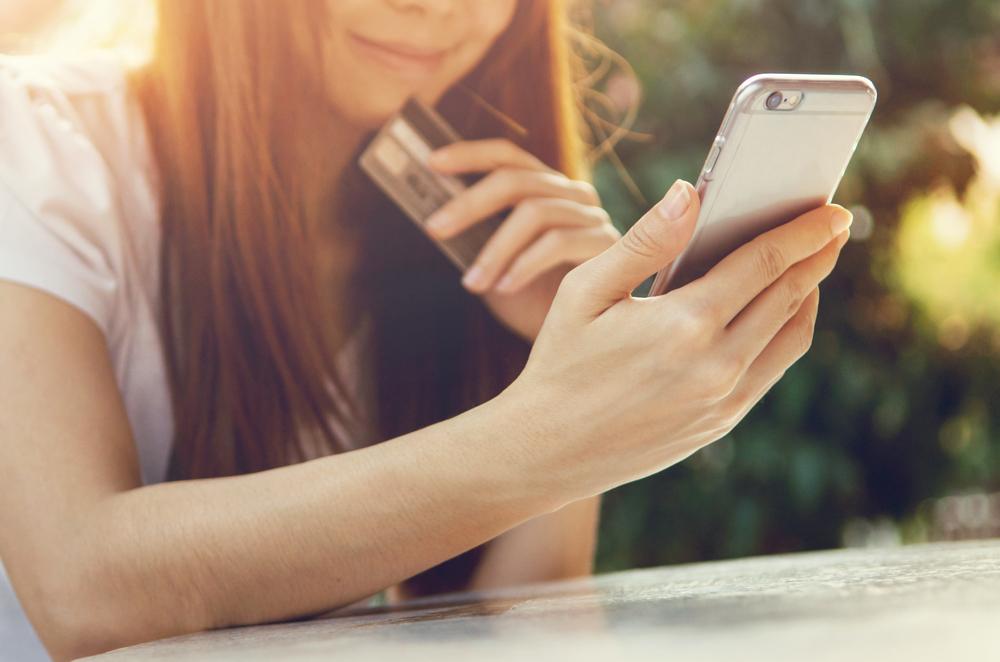 Un tercio de los pedidos online en España terminan siendo compras móviles