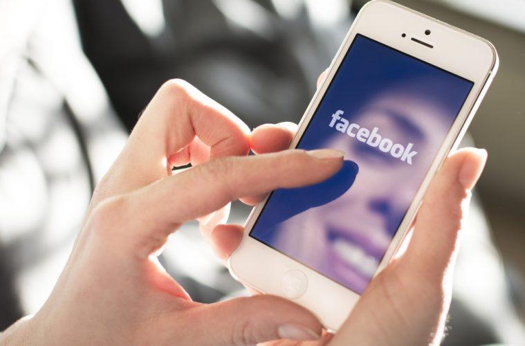 Zuckerberg prepara una nueva app de Facebook para competir con Snapchat y Periscope