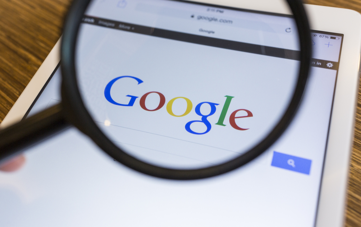 Google marcará contenido ofensivo o molesto