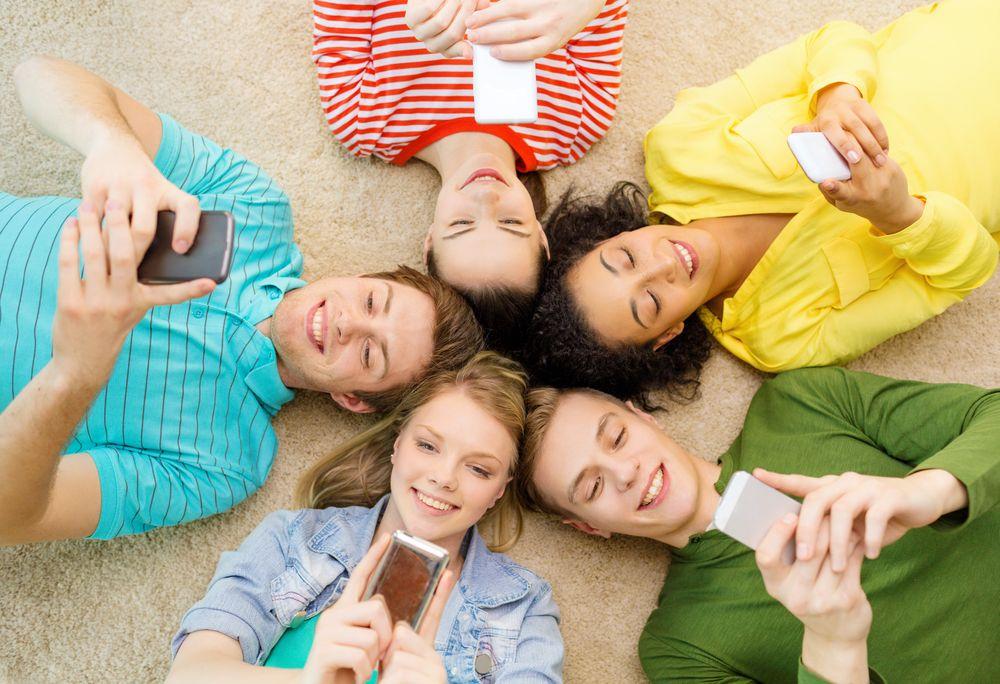 Facebook es menos atractiva para los usuarios jóvenes en EEUU
