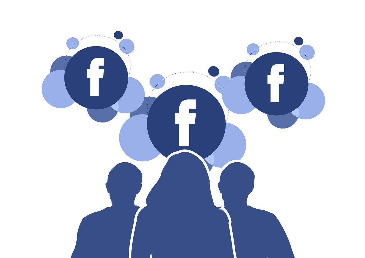 Facebook cambiará la forma de etiquetar a amigos en una publicación