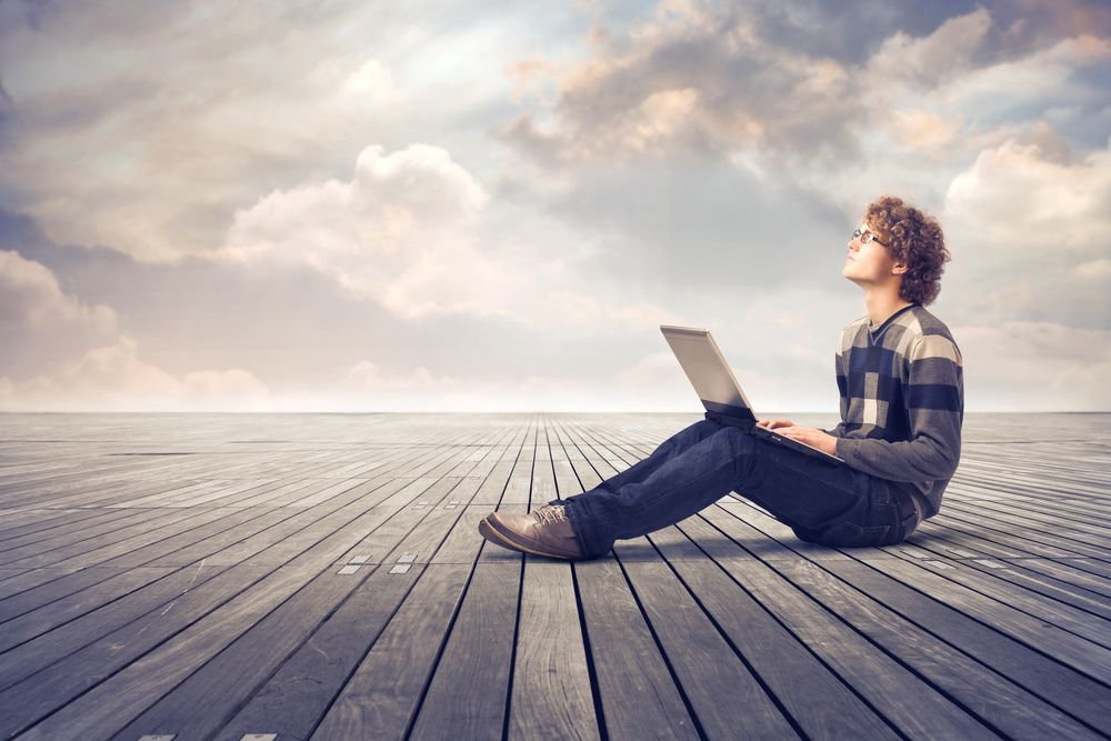 estudiante formación creatividad nubes portátil
