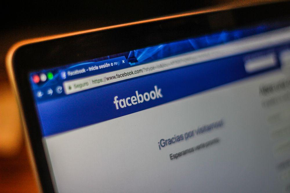 Facebook suspende 200 aplicaciones por el uso indebido de la información de sus usuarios