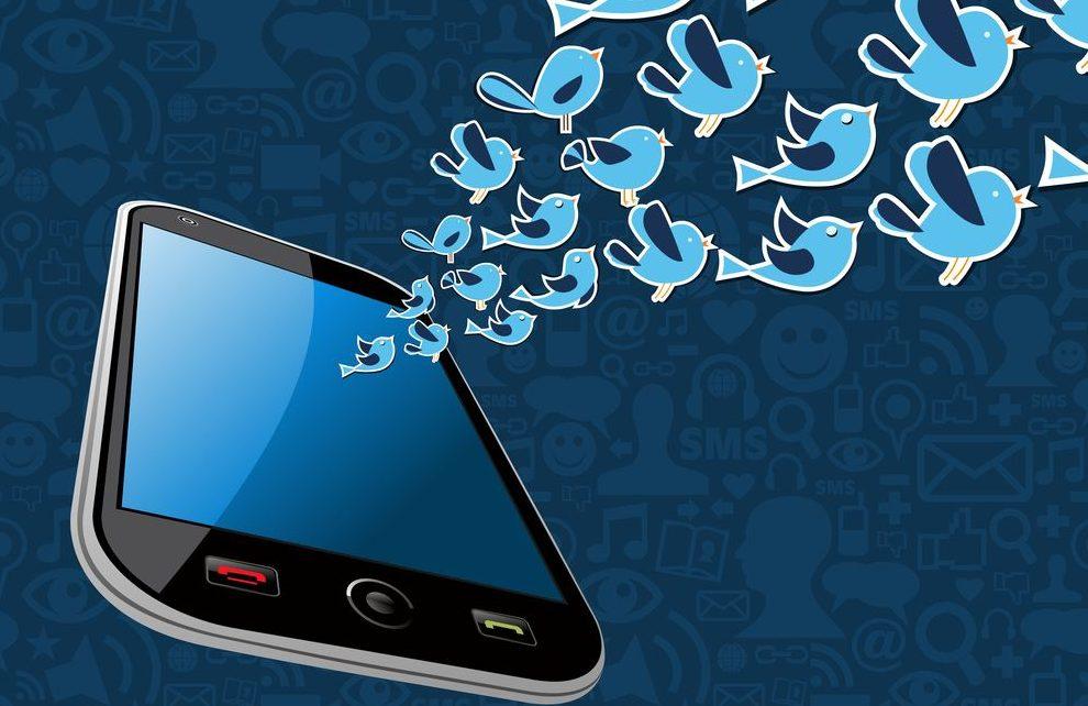 Twitter empata con Facebook y pierde también un millón de usuarios activos (pero logra un récord de beneficios)