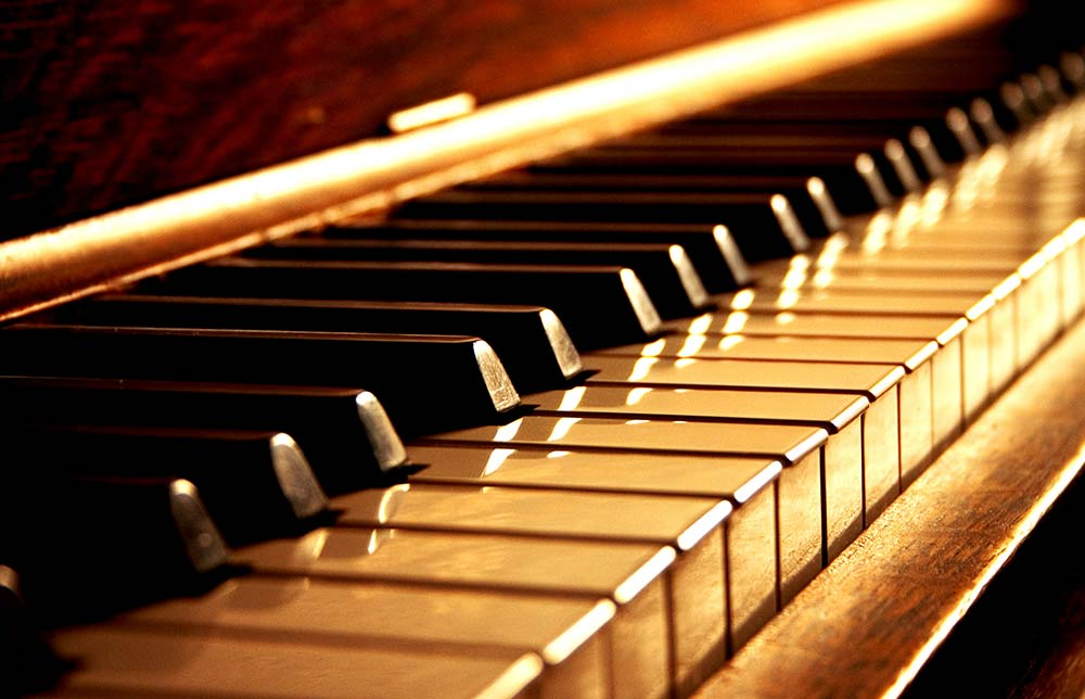 EASY FINGERING TECHNIQUES THAT WILL ENHANCE YOUR SKILLS yallemedia.com