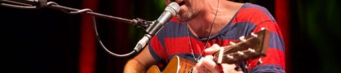 Graham Coxon - Walking All Day chord progression on yallemedia com chord hub, piano, guitar, ukulele and keyboard