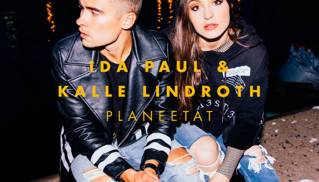 Planeetat byIda Paul & Kalle Lindroth on Piano, Ukulele, Guitar and Keyboard.