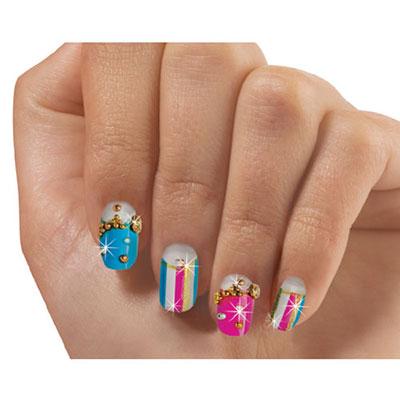 Stylin' Stripes Fashion Nails