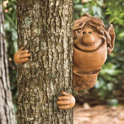 Elf Tree Hugger