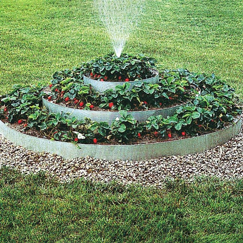 Pyramidal Strawberry Bed with Sprinkler