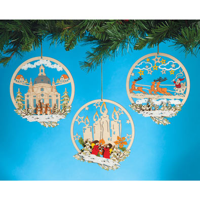 Wooden Ornaments Set