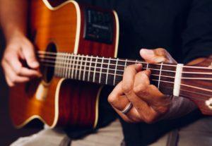 Instrumental con guitarra acústica