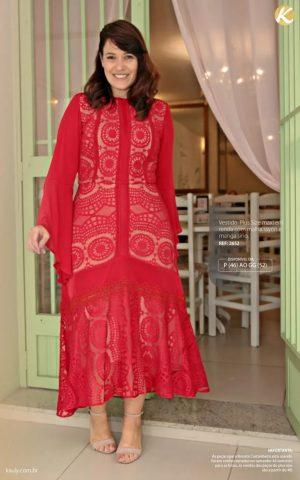 Vestido maxi Plus Size em renda com malha rayon e manga sino
