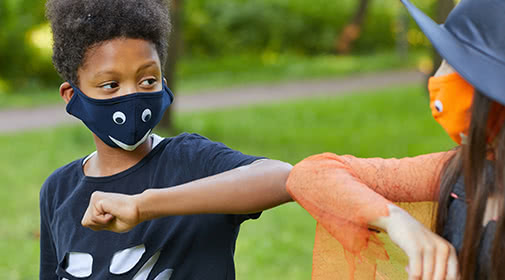 Five Ways Your Family Can Have a Healthy, Hair-raising Halloween