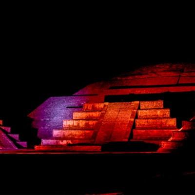 noche-en-teotihuacan-piramide-del-sol-min1